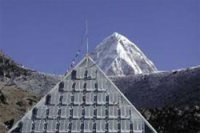 CNR Piramide sull'Everest
